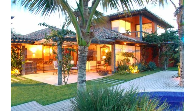 Stunning house inside Golf course and close to the beach