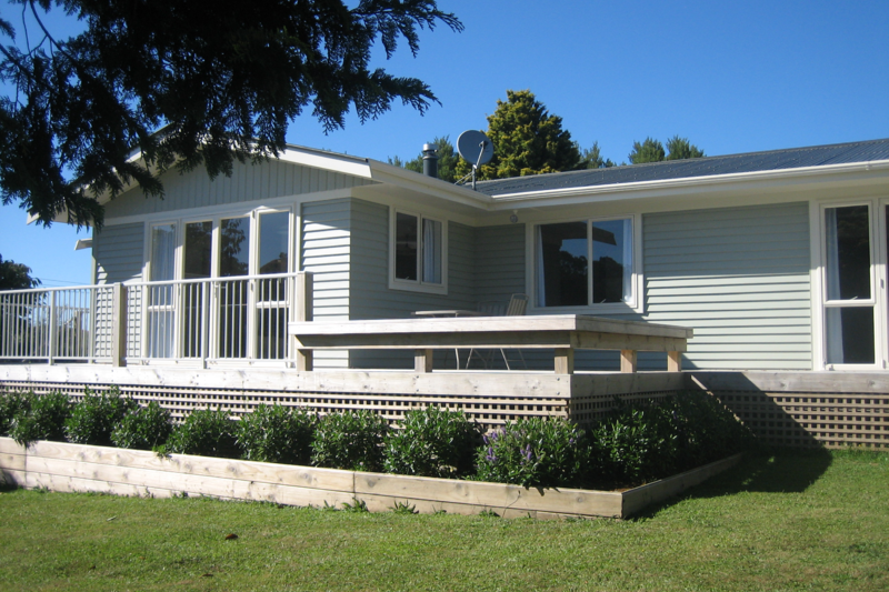 A Relaxing Warm And Welcoming Weatherboard Home Waihi